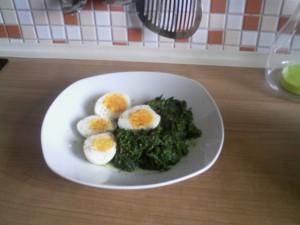 Spinat mit Eier